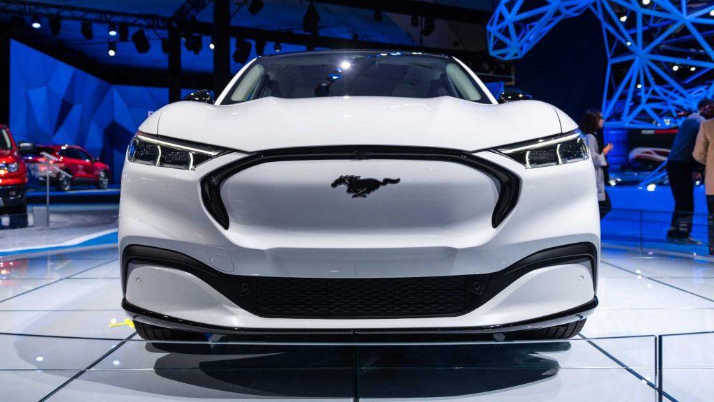 O que existe em comum entre o Mustang Mach-E e a Transit Van?